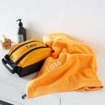 Premium Milano toalettveske sammen med et matchende Pure exclusive Badehåndkle.