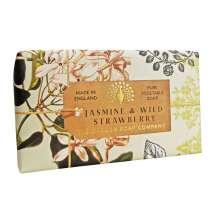 The English Soap Company feirer 20-årsjubileum for såpeproduksjon. Jubileumsamlingen bruker moderne design og et variert utvalg av deres mest populære duftsåper. Et herlig såpestykke med pleiende ingredienser, blant annet Sheasmør som er kjent for sine fuktighetsgivende egenskaper. Dufter fantastisk! Innpakket i vakkert, flott og moderne designet papir.<br/> Såpen har en delikat duft rik på blomstrende jasmin og moskus. Elegante overtoner av ville jordbær, appelsinblomster og kiwi.<br/><br/>